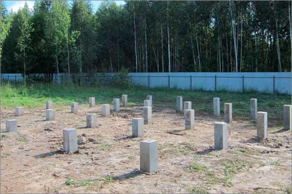 свайный фундамент из бетонных сваи