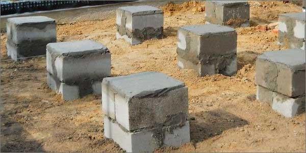 столбчатый фундамент из шлакоблоков
